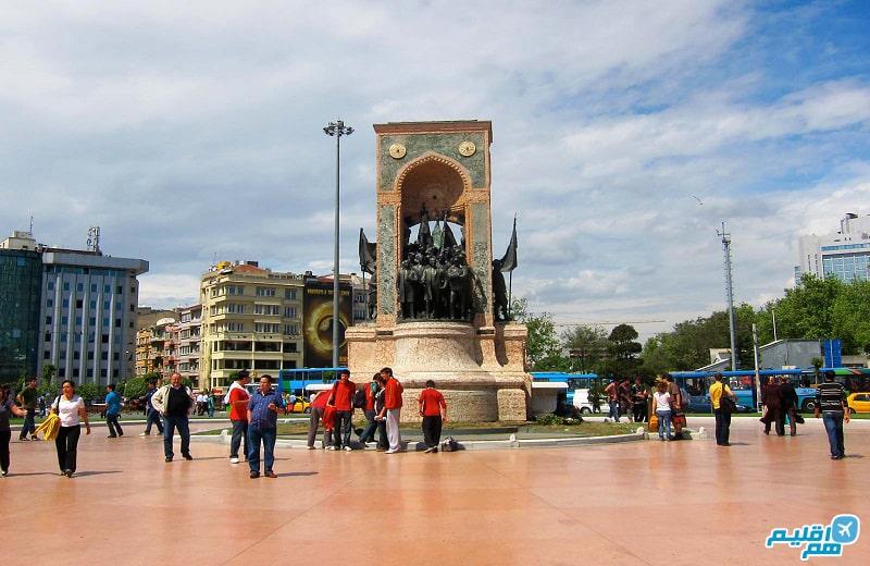 میدان تکسیم در استانبول