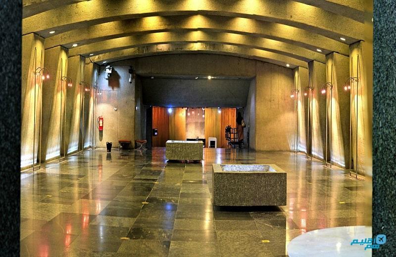 داخل برج آزادی