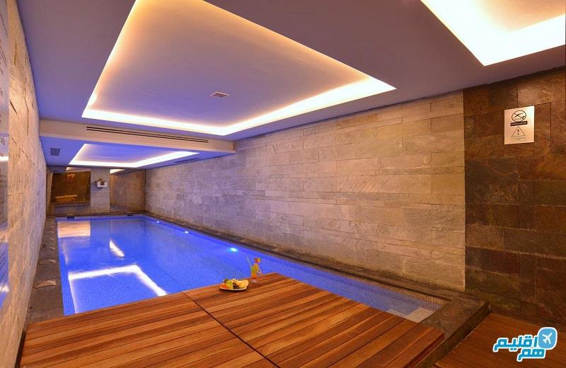 استخر هتل تولیپ پرا استانبول