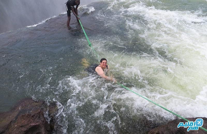 شنا در آبشار ویکتوریا