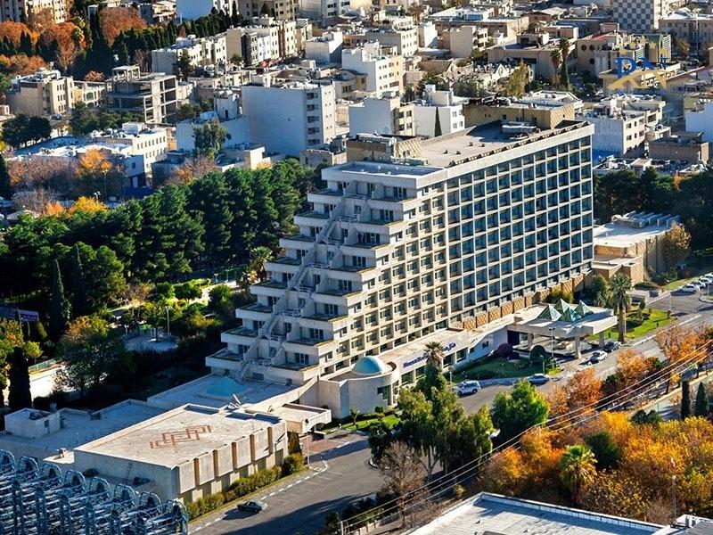 رزرو بهترین هتلهای شیراز در رهینو