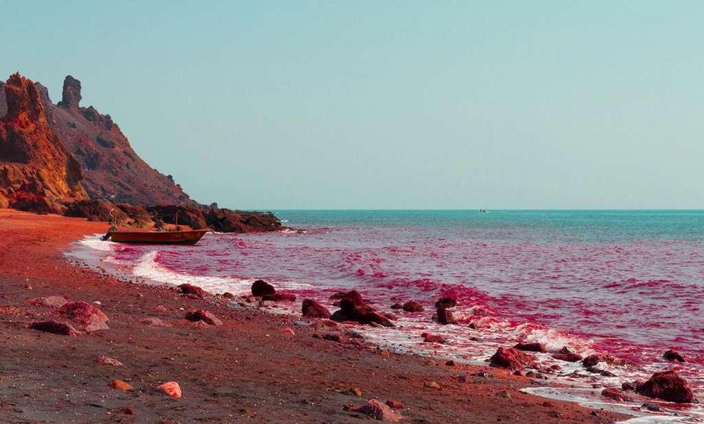شن های رنگارنگ در جزیره هرمز