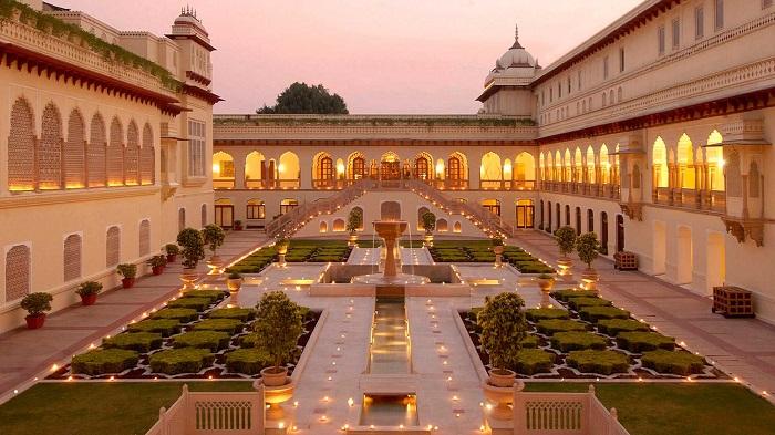 اقامت اشرافی در هند