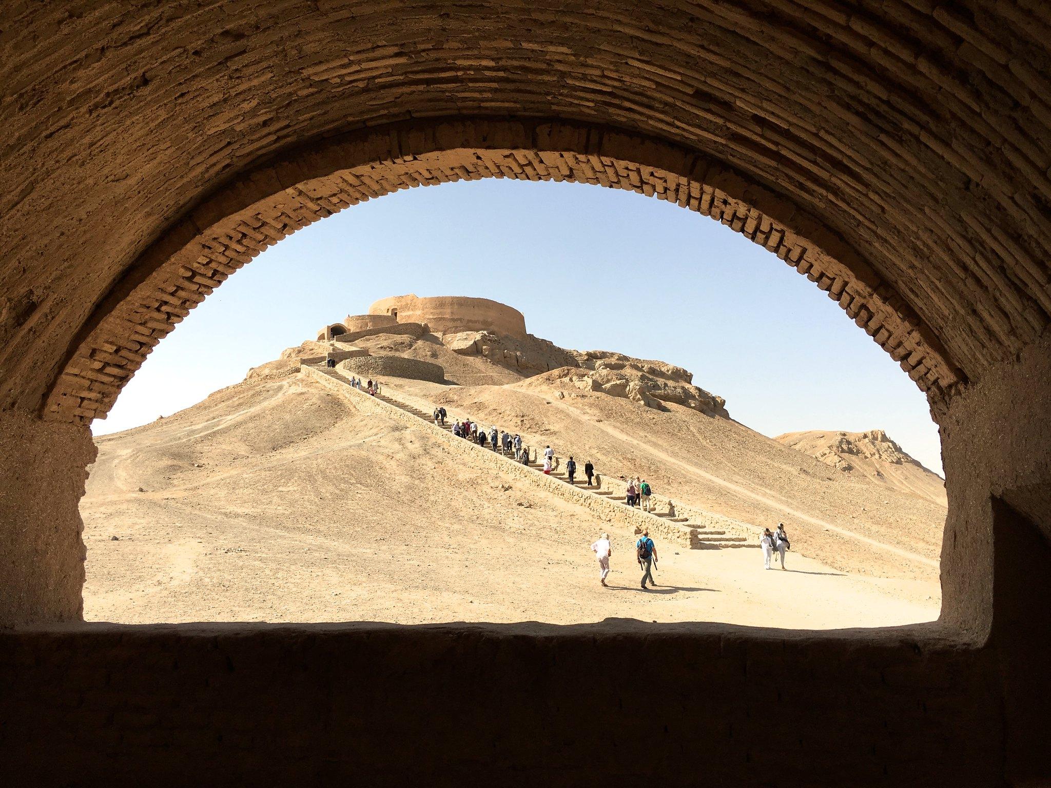 برج سکوت یزد