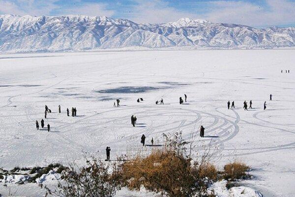 دریاچه زیوار در زمستان