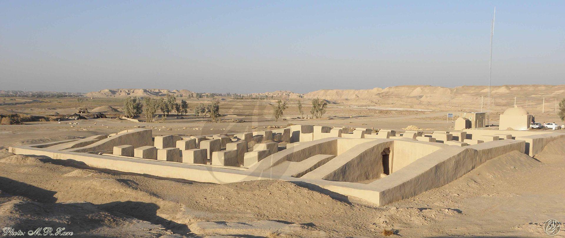سایت باستانی دهانه غلامان