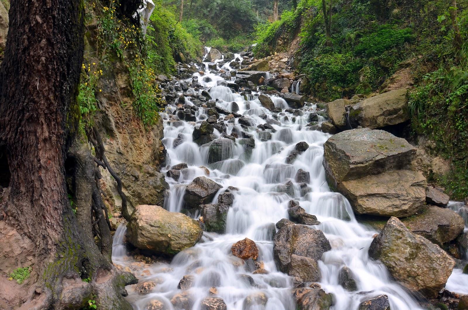 آبشار آب پری